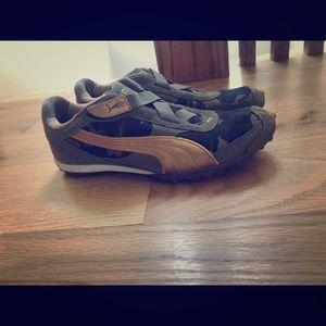 Never worn Camo Puma sneakers size 7!